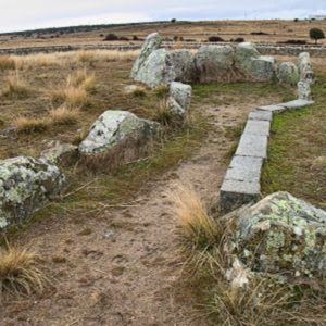 Dolmen de las cruces en Bernuy Salinero Avila