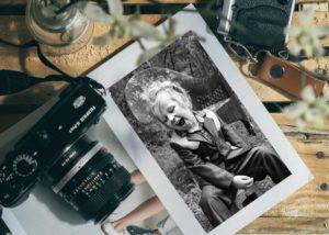 Material de fotografia con foto de chico unsplast