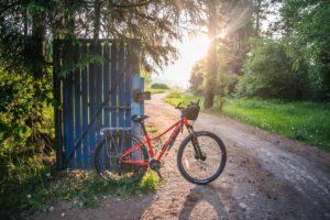 Bicicleta en un camino Explora Ávila